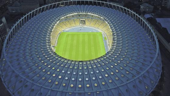 Ein Symbolbild zum Thema Fußball. Foto: Yaroslav Danylchenko / Canva Pro