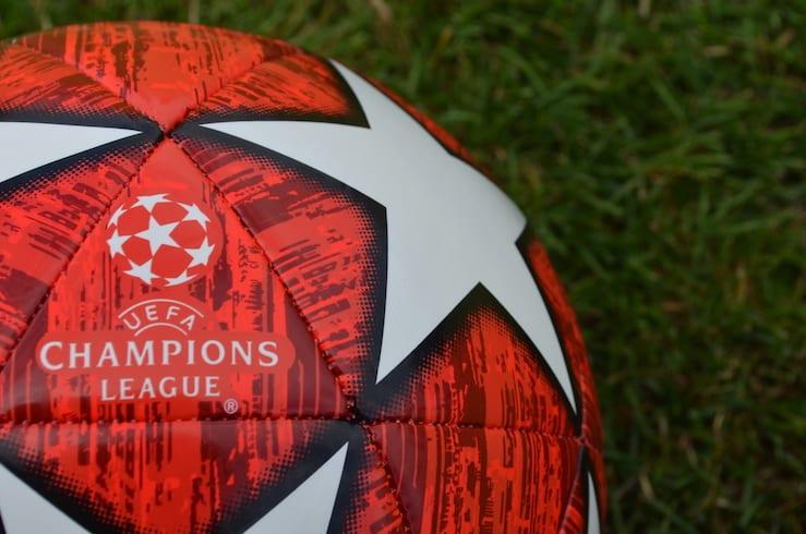 Wer gewinnt die Champions League? Laut einer Umfrage hat Gladbach / Borussia Mönchengladbach nach Titelverteidiger FC Bayern München die meisten Stimmen erhalten.